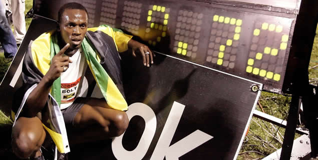 Usain Bolt sale ileso de un accidente de coche en Jamaica