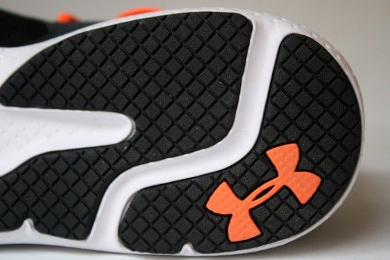 Under Armour Micro G Neo Mantis - Suela talon