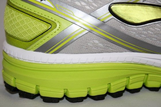Brooks Chost 8 - Surcos verticales
